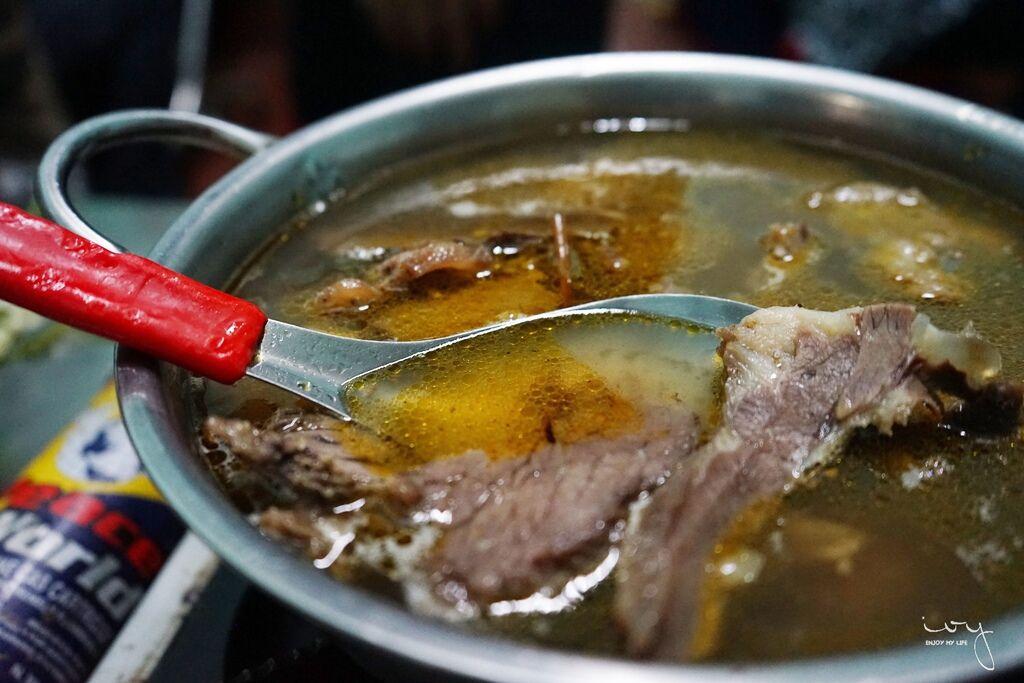 越南大叻牛肉火鍋 LAU BO QUAN GO