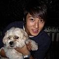 吳尊跟他的狗狗.