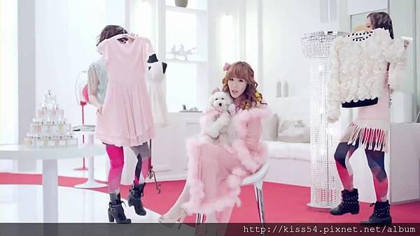 [DLKOO.com]TTS (TaeTiSeo) - Twinkle (HD 1080p).mp4_000084209