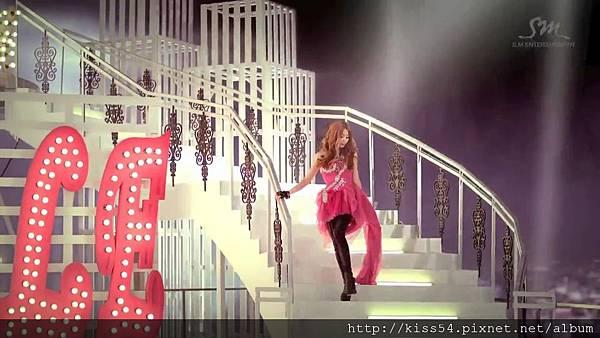 [DLKOO.com]TTS (TaeTiSeo) - Twinkle (HD 1080p).mp4_000176426