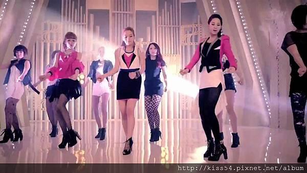 [DLKOO.com]TTS (TaeTiSeo) - Twinkle (HD 1080p).mp4_000225475