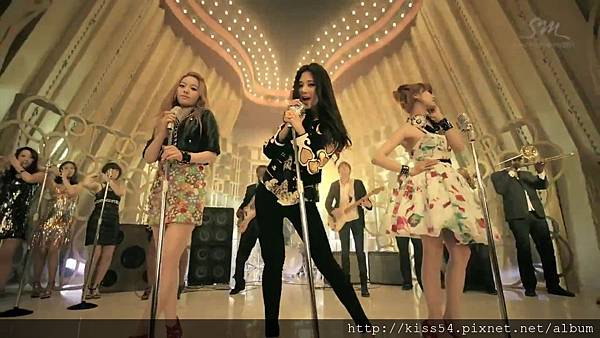 [DLKOO.com]TTS (TaeTiSeo) - Twinkle (HD 1080p).mp4_000140348