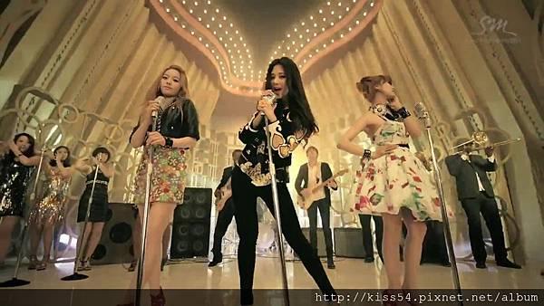 [DLKOO.com]TTS (TaeTiSeo) - Twinkle (HD 1080p).mp4_000140348