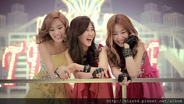 [DLKOO.com]TTS (TaeTiSeo) - Twinkle (HD 1080p).mp4_000255964