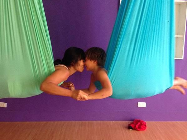 0717. ariel yoga_566