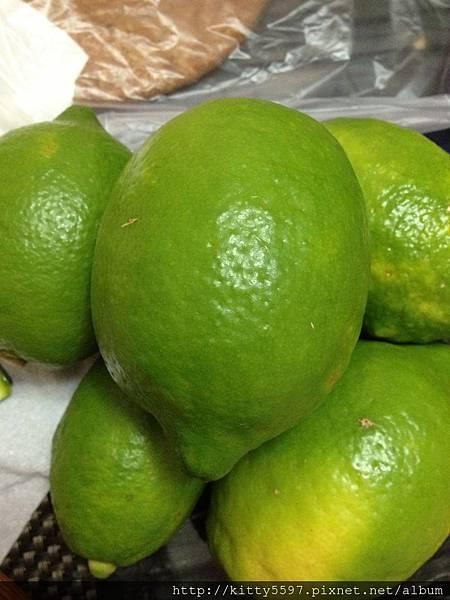 自製檸檬洗碗精