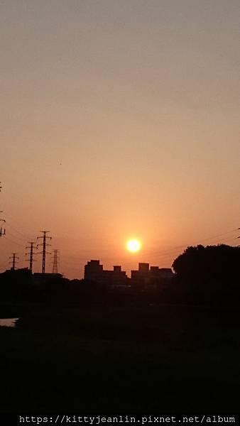 外雙溪河堤的夕陽-20190405