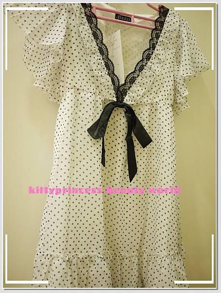 白色黑點雪紡洋裝.JPG