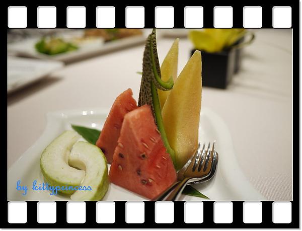 熱帶水果盤180.JPG