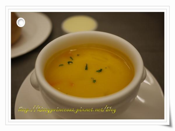 奶油南瓜蔬菜湯.JPG