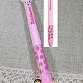 mimi雙頭耳朵筆san-x限定款 草莓懶妹 $250