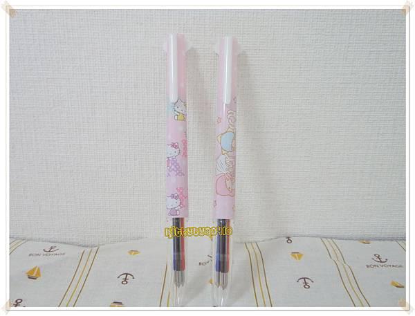 已售完- $290 日本UNI  style fit 三色限量筆管 附油性筆蕊黑藍紅三色 kitty&kikilala二款