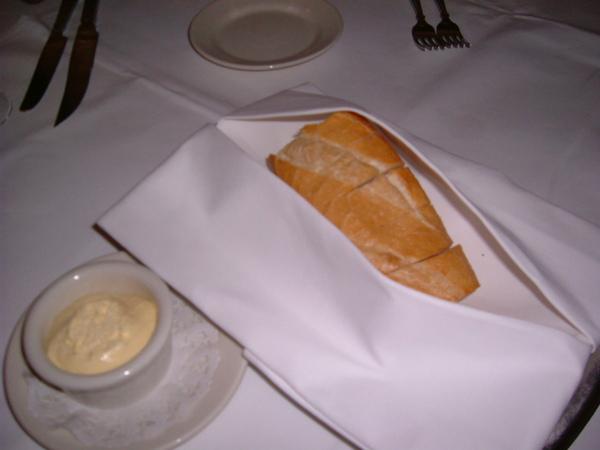現烤麵包,熱熱的~吃完可以再叫喲