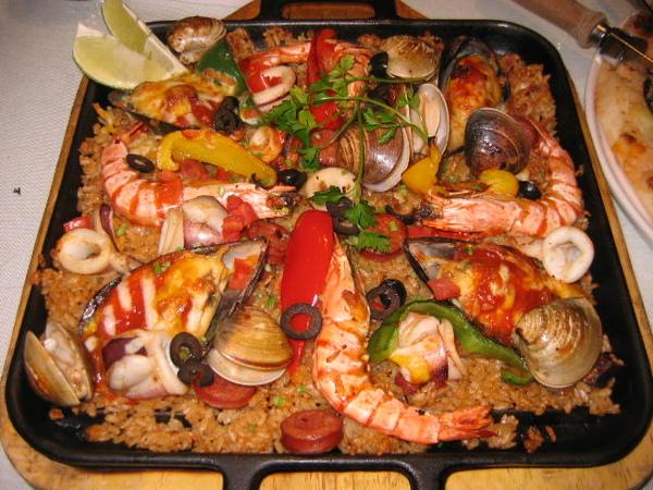 西班牙海鮮烤飯~~大的喲