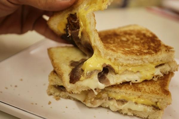 台南熱樂煎爆漿乳酪三明治6323