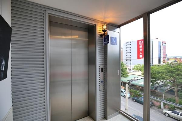 花蓮承億輕旅Light hostel花蓮火車站背包客棧輕旅行backpack6334