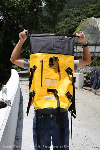 Stream Trail日本潮牌防水包容量大色澤鮮豔溯溪浮淺團購優惠836483_o