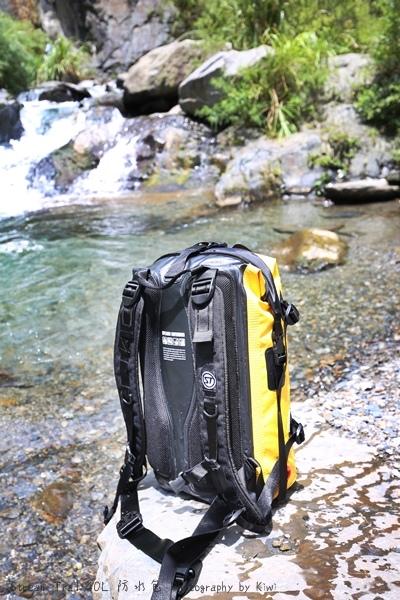 Stream Trail日本潮牌防水包容量大色澤鮮豔溯溪浮淺團購優惠544545_o