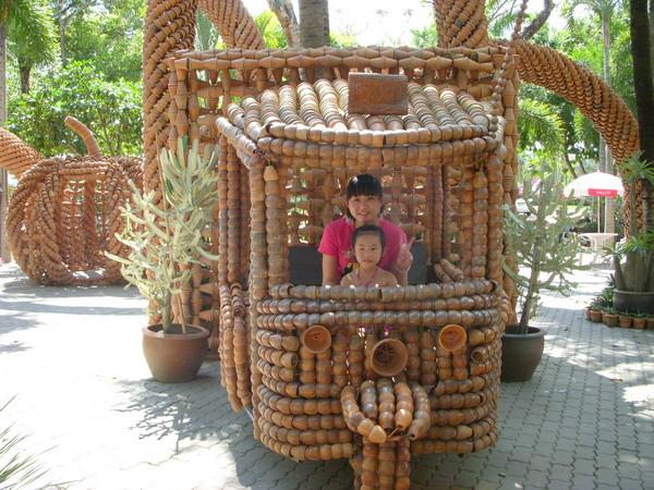 竹子做的馬車