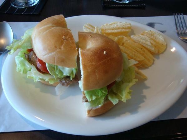 烤肉貝果.JPG