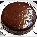 68%法芙娜醇濃巧克力蛋糕 (top with法國鹽之花)