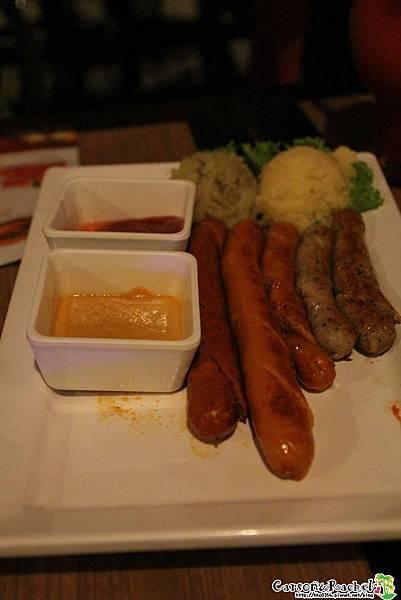 泰國-德國豬腳啤酒餐廳 (31 - 42).JPG