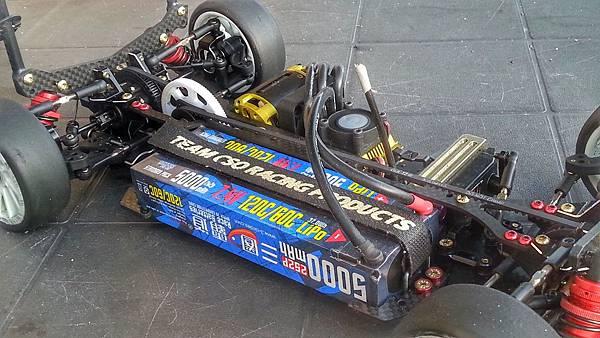 試玩 三圈霸道 6300mAh 100C 鋰電池