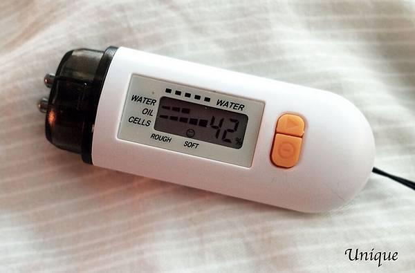 維添秀®維他命C+E肌活保濕修護精華-6