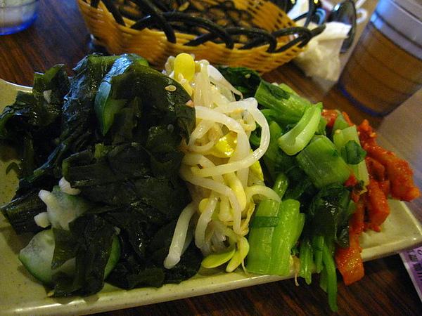 火鍋會附贈的小菜.jpg