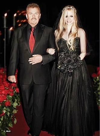 avril-lavigne-wedding-dress-black.jpg