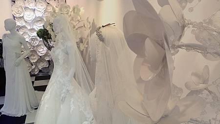 台中婚紗公司試穿頂級婚紗推薦
