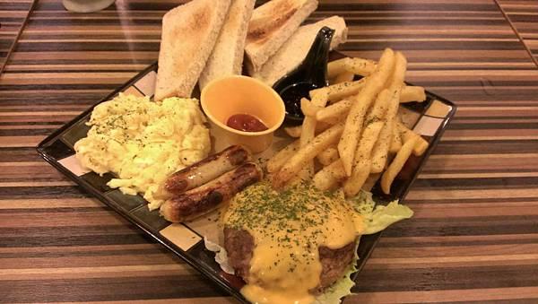 漢堡肉排餐1.jpg