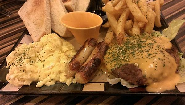 漢堡肉排餐12.jpg