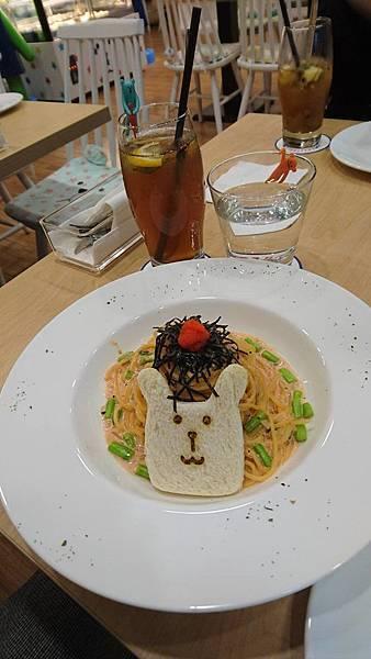 宇宙人主題餐廳