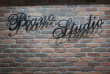 PIANO STUDIO_2030