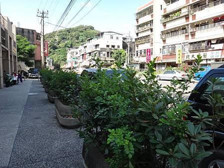 1030914中山區團委會社區綠美化 (2).jpg