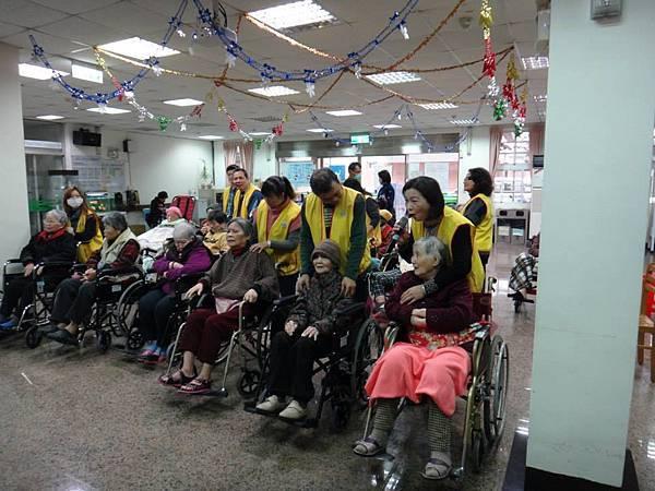 1040111中山區團委會至市立醫院關懷長者活動.jpg