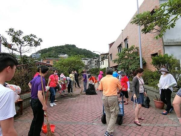 1070610救國團基隆市中山區團委會社區綠美化 (5).JPG