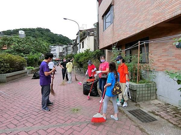 1070610救國團基隆市中山區團委會社區綠美化 (3).JPG
