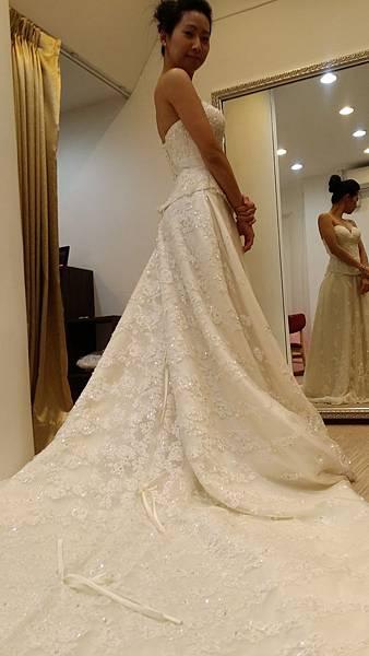 自助婚紗推薦-婚紗禮服試穿