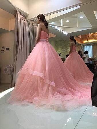 [推薦]禮服出租推薦-手工禮服