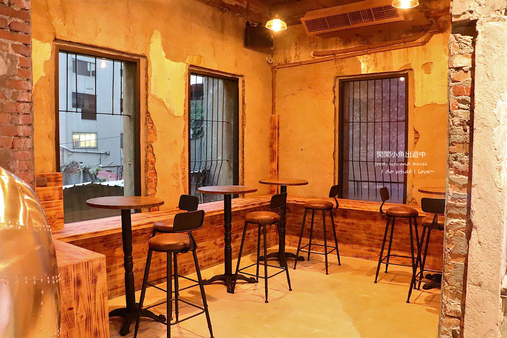 西門町餐酒館拉圖爾精釀柴燒餐廳。台北餐酒館、精釀啤酒餐廳