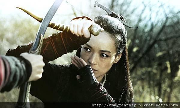 《刺客聶隱娘》舒淇持羊角匕首光點影業提供蔡正泰攝影