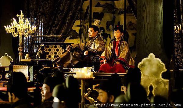 《刺客聶隱娘》張震飾演魏博藩鎮節度使正聽下屬報告