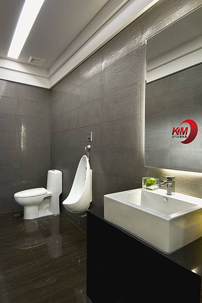 音響專賣店-金門音響杜拜音像館洗手間1