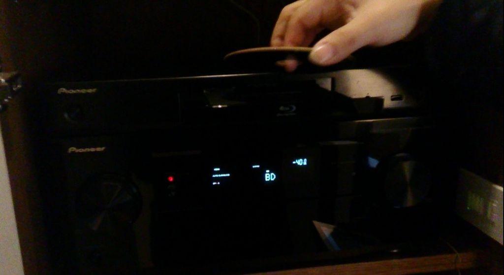 家庭劇院控制專家-KM環控系統,KM環控-家庭劇院。看電影控制模式,控制Pioneer擴大機、Pioneer藍光DVD。