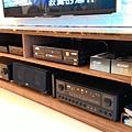 機櫃位置-ELAC中置+美華點歌機+Pioneer擴大機+KMB擴大機