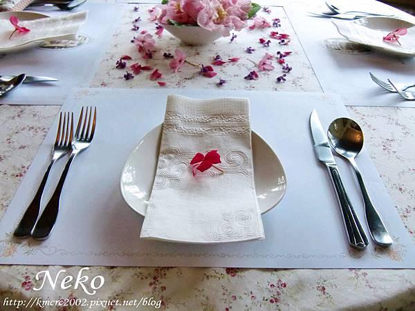 美麗的餐桌擺設