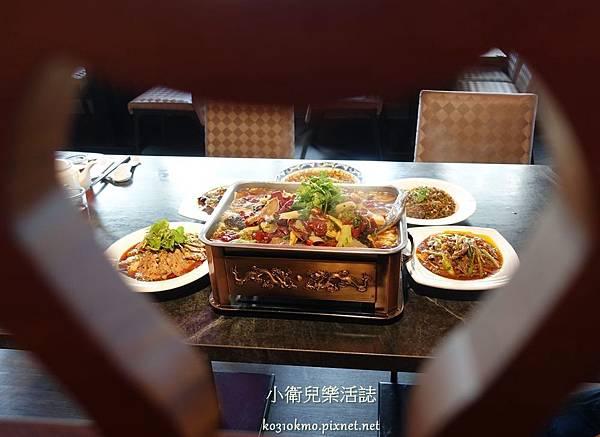 台中川菜-品渝宴川菜館環境 (2)