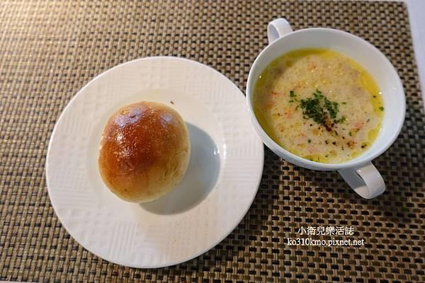 新社餐廳-千樺庭園餐廳 (42)